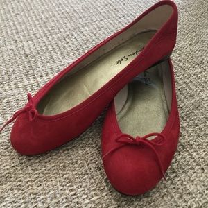 London Sole cherry red nubuck ballet flats size 38